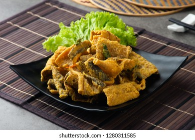 Crispy fried fish Skin with salted egg
