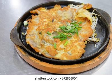 Crispy fried mussel pancakes