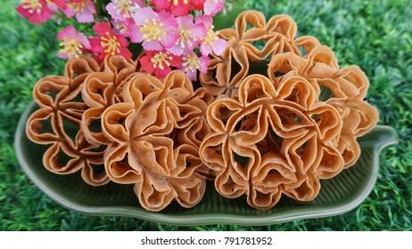Lotus Flower Cookie House Cookies