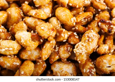 crispy peanut with sesame in plate close up