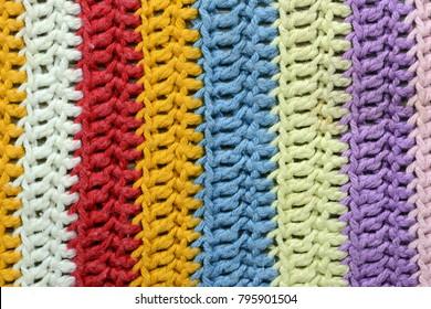 Crochet Textur aus handgefertigtem Ofentuch mit Stangen.