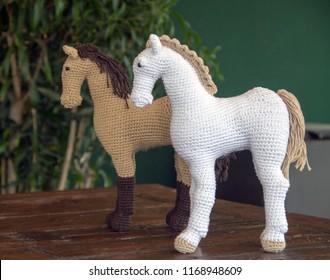 Crochet Corner: Pony - All About Ami | 280x330