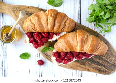 Croissants with Mascarpone Cheese & Berries