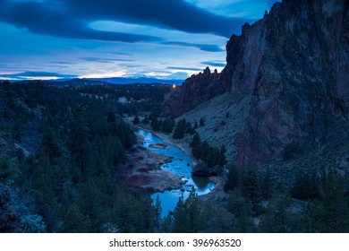 Crooked river at night. Smith Rock state park in Oregon