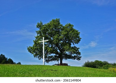 Cross on a hill near Obernheim-Tanneck on the Swabian Alb in the Zollernalb district