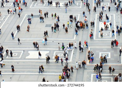Crowd in city, view from top