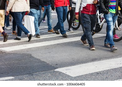 crowd at the crossroads in a modern city