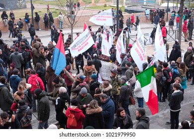 The crowd of the people arrived in Macerata where 20.000 people marched against fascism after the shooting against African people. Macerata (I) 2018/Feb/10