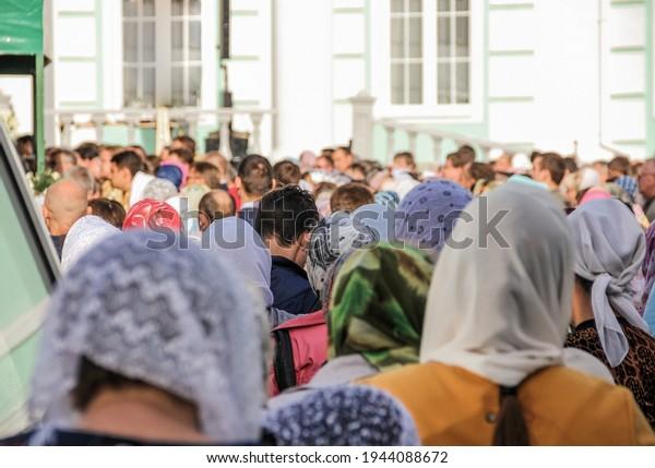 crowd-people-rear-view-heads-600w-194408