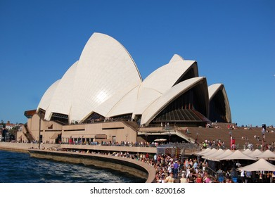 crowd at sydney opera house in australia