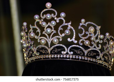 """crown made of pearls, precious stones and gold for the winner of the beauty contest """"Miss World Singapore 2012"""""""