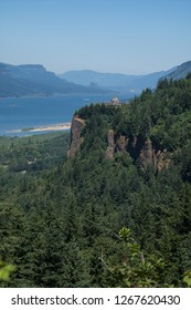 Crown Point Vista House from the lookout at Portland Women's Forum Park in Oregon