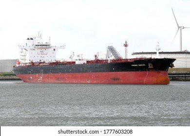The crude oil tanker Front Sirius will be unloaded in the port of Rotterdam on July 3, 2020.