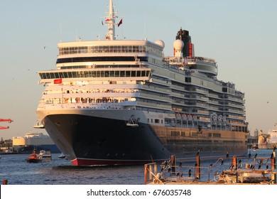 Cruise liner departing port