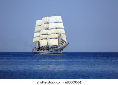 Cruise on an old sailboat