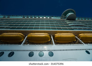 Cruise ship board with safe boats