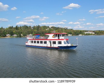 Cruise ship at Brno dam (Czech Republic)