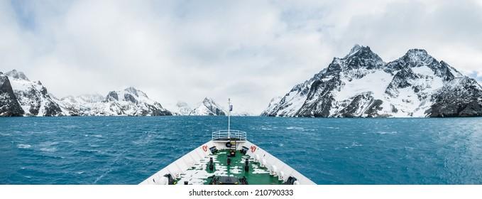 Cruise ship, expedition to Antarctica