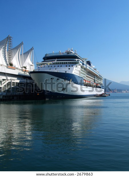 cruise ship in the port of Vancouver home of the 2010 winter olympic games