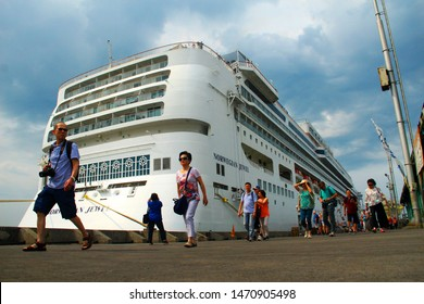cruise ships carrying tourists lean on the port of Tanjung Emas Semarang, Central Java, 14 November 2018
