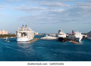 Cruise ships moored in Nassau Harbour, the most popular port of call in Caribbean (Nassau, Bahamas).