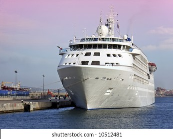 Cruiseship in Palma de Mallorca