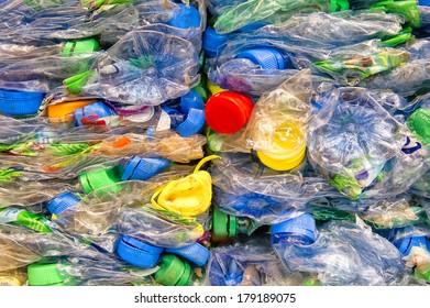 Crushed PET-bottles
