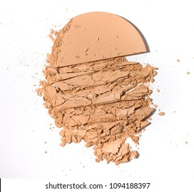 Crushed pressed face powder disc