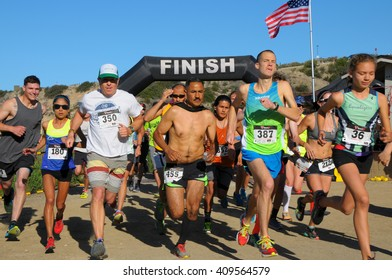 Crystal Cove, California/USA-April 16 2016:Runners in the Heroes 6k Trail race