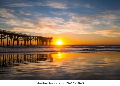crystal pier san diego at sunset