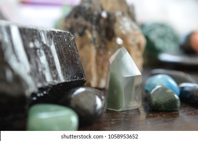 Crystal Towers, Healing Crystal Grids, Witchcraft, Crystal Spreads, Quartz, Wiccan, Alters, Wicca
