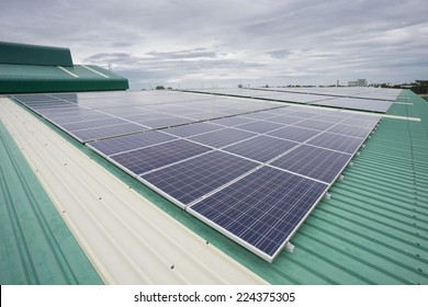 Crystalline Silicon Photovoltaics on Factory roof