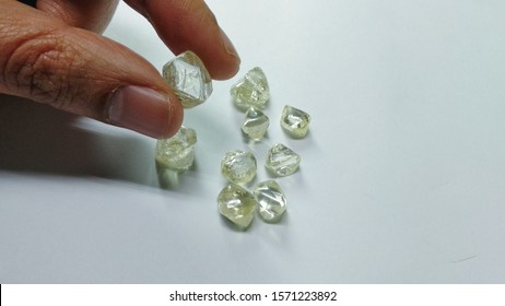 crystals raw rough south African solitaire diamonds in Antwerp Diamond district Belgium