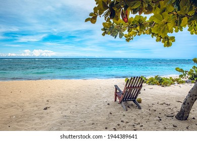 Kuba, Baracoa, Strand mit blauem Wasser