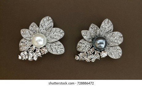 Cubic Zirconia Flower Luxury Brooch For Woman Accessory Decorative With  Pearl