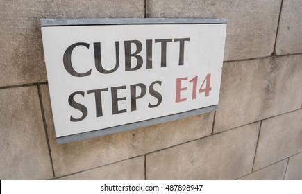 The Cubitt Steps in Canary Wharf - LONDON / ENGLAND - SEPTEMBER 14, 2016