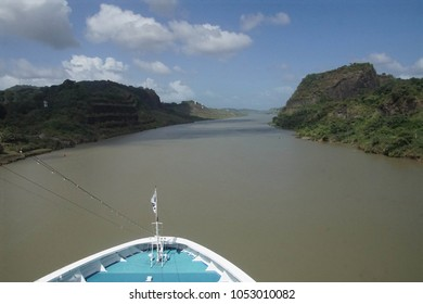 Culebra Cut is an artificial valley that cuts through the Continental Divide in the Panama Canal. linking Gatun Lake and the Atlantic Ocean, to the Gulf of Panama and  the Pacific Ocean.