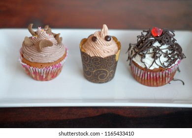 cup cake full toping