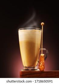 Caffee Cappuccino oder Latte mit Karamellbonbons