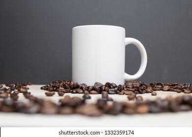 935e76817af Imágenes, fotos de stock y vectores sobre Beans Swirling | Shutterstock