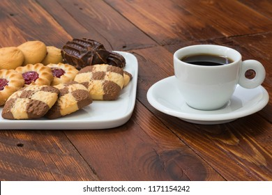 cup-coffee-tray-assorted-cakes-260nw-117