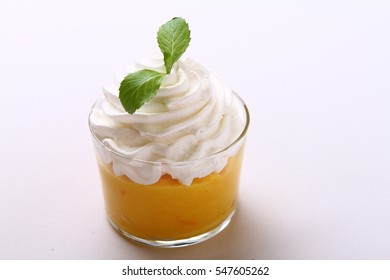 cup cream dessert