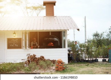 Cup mellow and Jolly cafe ,Restaurants and cafes Located in Khao Kho, Pizza with coals of this store in Phetchabun by Chef Tung.September 12, 2017, Phetchabun Province, Thailand