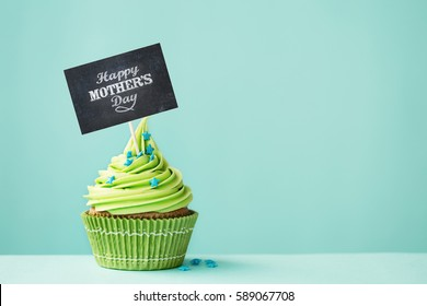 Cupcake with Happy Mother's Day sign