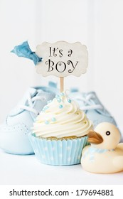 "Cupcake with ""it's a boy"" pick"