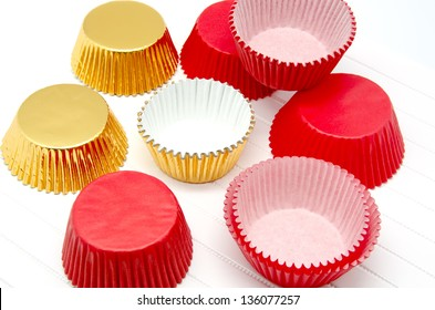 Cupcake Liner red and gold