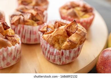 cupcakes with apple and vanilla sugar