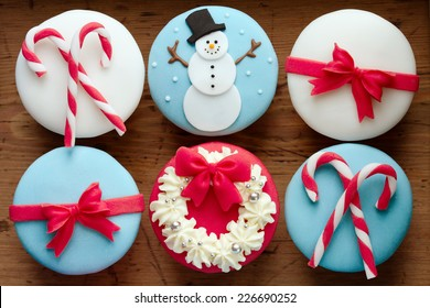 Cupcakes with a Christmas theme