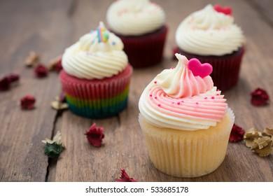 cupcakes on wood