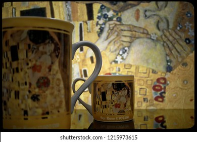 Cups on a kitchen table, reflection, Kiss, Klimt style